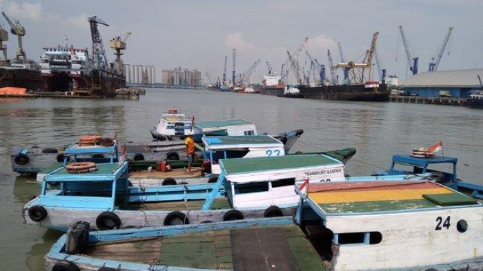 Keliling Pelabuhan Tanjung Perak Pakai Kapal Ting Ting, Bisa Berlayar Hingga Jembatan Suramadu