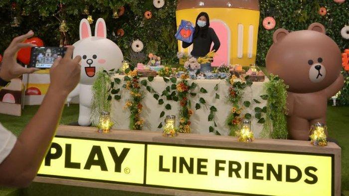 Bertemu Empat Karakter Line Friends di Hutan Ajaib Penuh Permen Pakuwon City Mall Surabaya