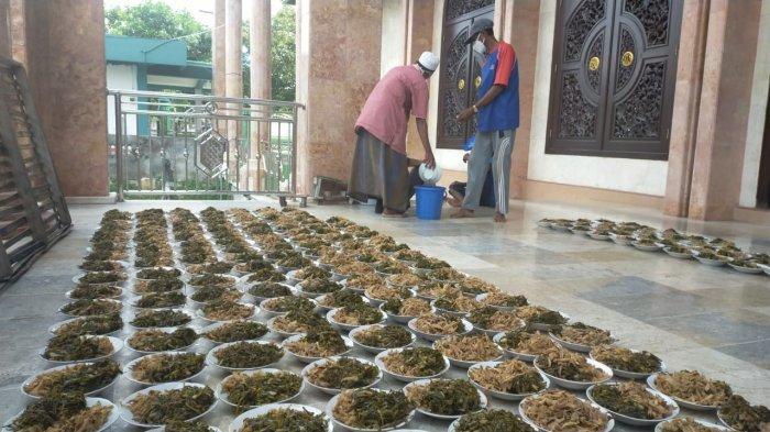 Tradisi Kolak Ayam Masjid Sunan Dalem Gresik Tak Semeriah Tahun Sebelumnya