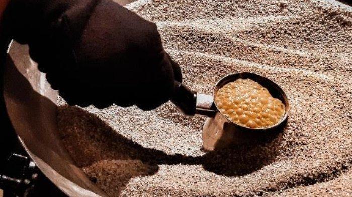 Menikmati Turkish Coffee Alias Kopi Turki yang Dimasak di Atas Pasir Panas