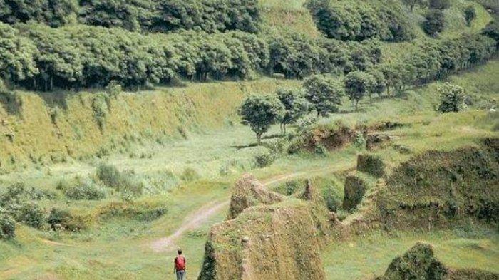 Mirip Ranu Manduro, Padang Savana Lembah Dieng Gempol Pasuruan Bikin Warganet Kesengsem