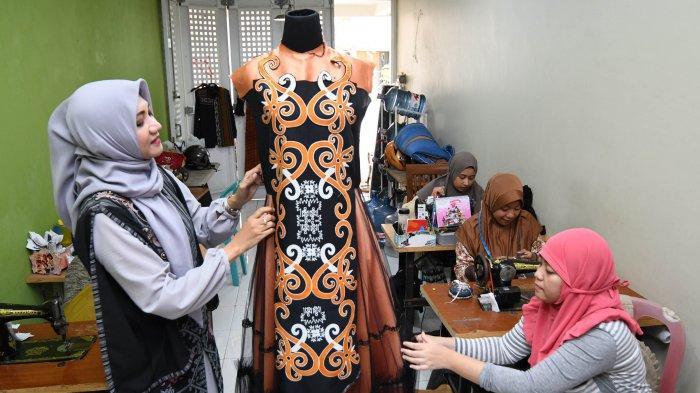 Sudah Keluar Biaya Gelaran Fashion IFW Juga Ditunda, Desainer Lia Afif Pasarkan Via Online Store