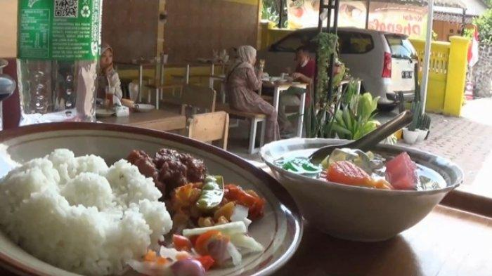 Warung Di Magetan Sediakan Menu Khas Resepsi Pengantin Jawa, Obat Rindu Makanan Di Hajatan