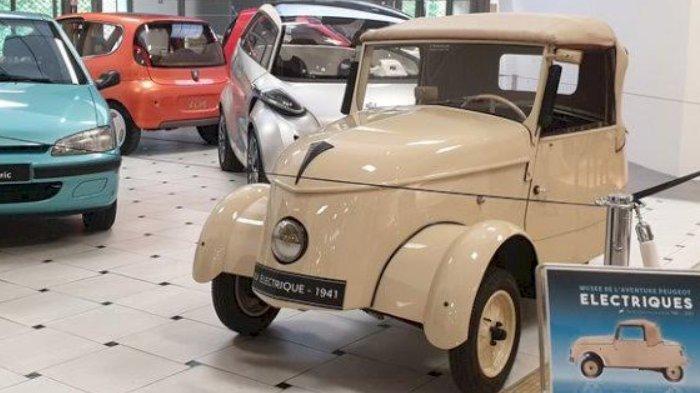 Jalan-jalan ke Museum 2 Abad Perjalanan Peugeot, Ada 130 Koleksi Mobil Klasik Peugeot