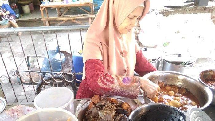 Nasi Babat Khas Madura Pasar Atom Harga Terjangkau Sambalnya Nendang Seporsi Hanya Rp 20 ribu