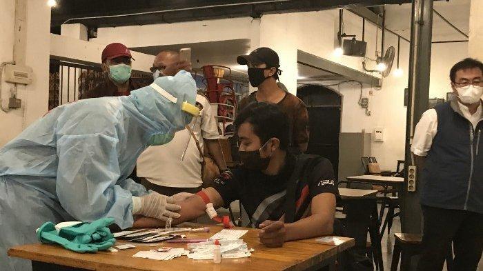 Masih Suka Nongkrong Di Kafe, Awas Kena Razia Dan Wajib Jalani Rapid Tepat Covid - 19