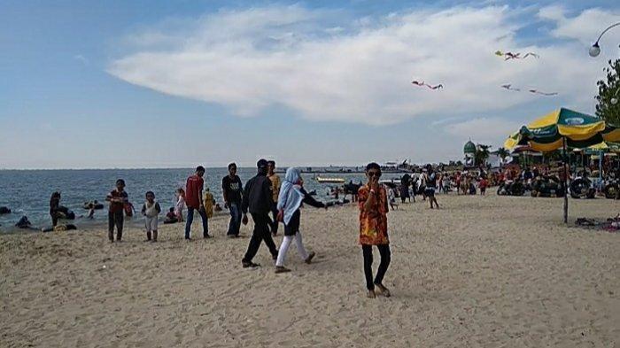 Wisata Pasir Putih Pantai Dalegan Buka Kembali Makin Bersih dan Cantik