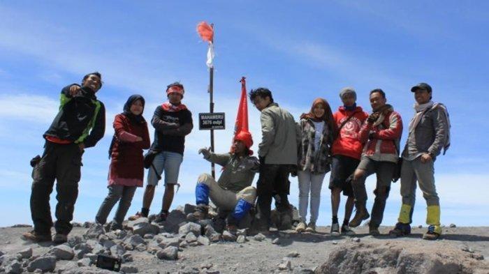 Jejak Langkah Pendakian Semeru, Mengenang Kematian Soe Hok Gie Hingga Predikat 7 Summits Indonesia