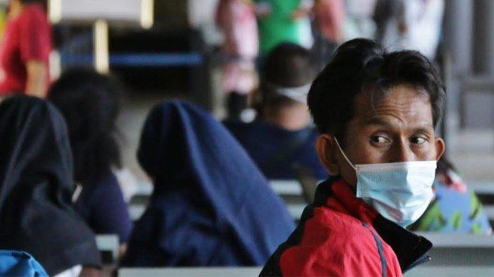 Jelang Pemberlakuan Larangan Mudik, Jumlah Penumpang di Stasiun Gubeng Membludak