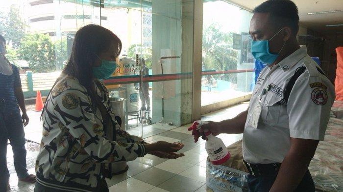 Sempat Diisolasi Selama 14 hari Pusat Grosir Surabaya Dibuka Lagi Dengan Protokol Kesehatan Ketat