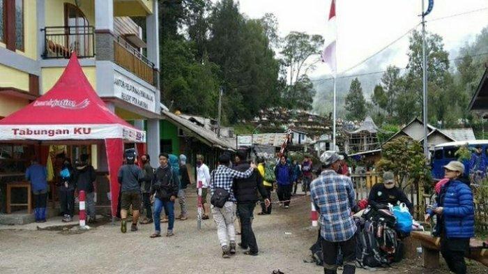 Suasana Desa Ranu Pani pos awal pendakian Gunung Semeru