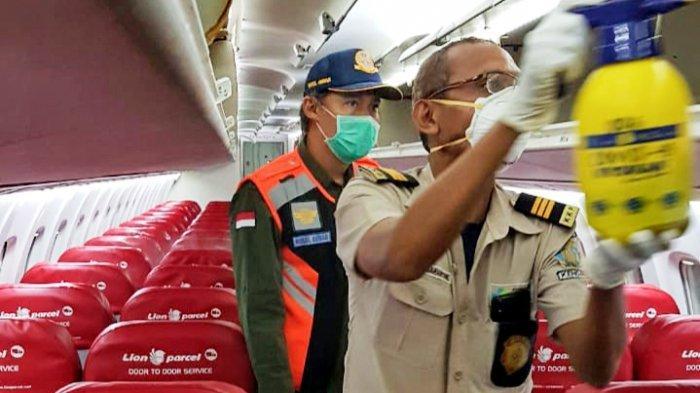 Lion Air Grup Rutin Pengecekan Kesehatan Kru dan Semprot Disinfektan Di Dalam Pesawat