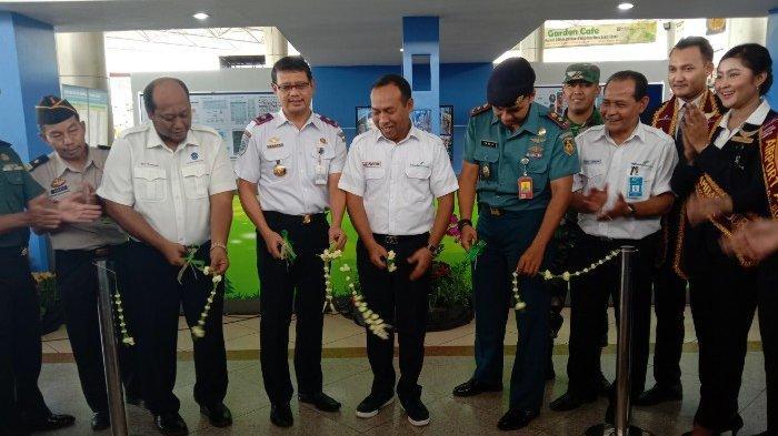 Jelang Momen Nataru, Otoritas Bandar Udara Wilayah III Surabaya Pantau Harga Tiket Pesawat