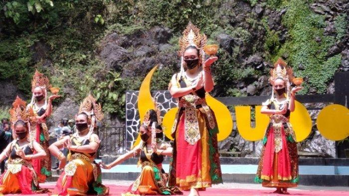 Tradisi Siraman Sedudo Jadi Awal Kegiatan Wisata Seni Budaya Di Nganjuk