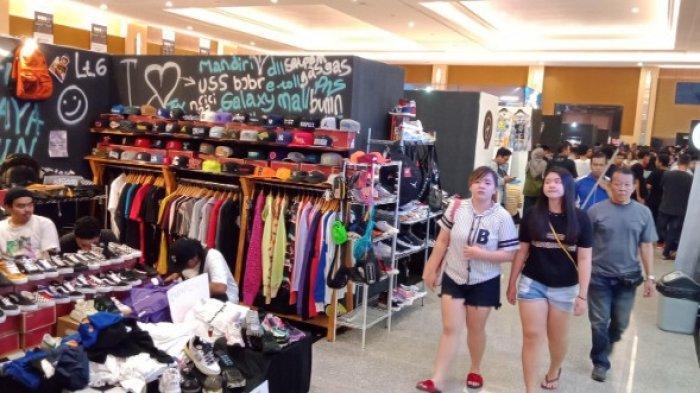 Usung Trend Sneaker, Streetwear,  Jadi Alternatif Belanja akhir Tahun