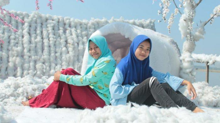 Ingin Nikmati Suasana Salju Cukup di Gondang Snow Island (GSI) Wisata Waduk Gondang Lamongan
