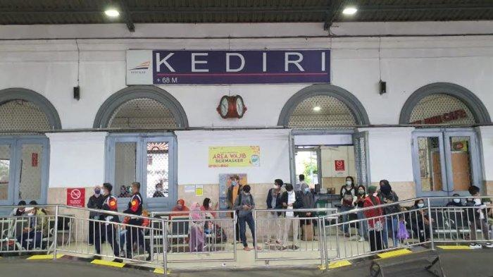 Batal Berangkat Karena Banjir di Jakarta, Calon Penumpang KA Diberi 30 Hari Untuk Refund
