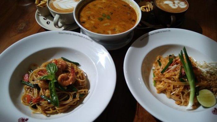 Pad Thai dan Sup Tom Yum, Menu Wajib Nongkrong Di Black Canyon Coffe
