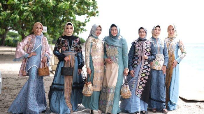 Angkat Tenun dan Songket Lombok ke Fashion sekaligus Cerita Kecantikan Wisata di Pulau Lombok