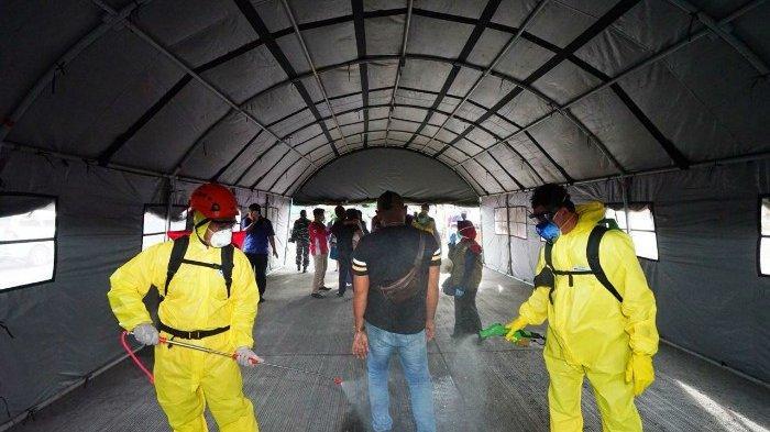 Calon Penumpang Dan Yang Turun Dari Bali Wajib Masuk Terowongan Disinfeksi di Pelabuhan Ketapang