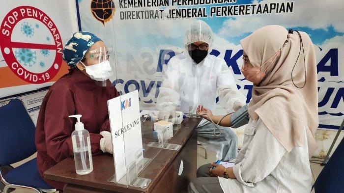 Penumpang KA Jarak Jauh Bisa Vaksinasi Covid-19 Di Stasiun Gubeng, Pasar Turi dan Malang