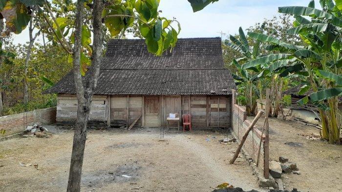Rumah Warga di Ngawi Dipindah 'Orang Gaib' Rumah Limasan Pindah Dalam Waktu Semalam