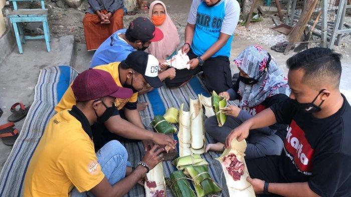 Komunitas Lintas Profesi Kampanyekan Wadah Ramah lingkungan Bungkus Daging Kurban