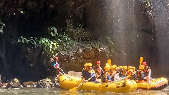 Memacu Adrenalin di Alam Asri Pekalen Rafting Probolinggo