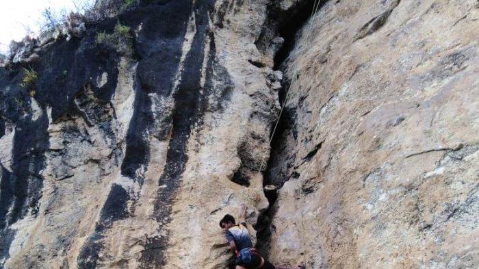 Spot  Idola Penggemar Panjat Tebing Wisata Panjat Tebing Maha Waru Cok Gunung Pamekasan