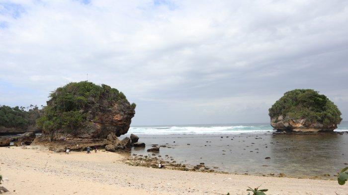 Sudah Dibuka Dengan Protokol Kesehatan Obyek Wisata Pantai di Malang Masih Sepi Pengunjung