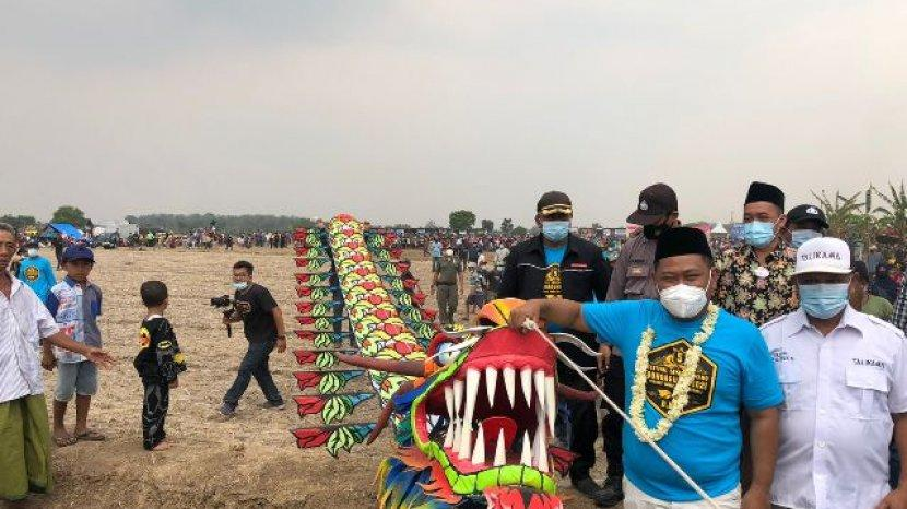 Festival Tahunan Layang layang Di Gresik Tanda Bersyukur Setelah Panen