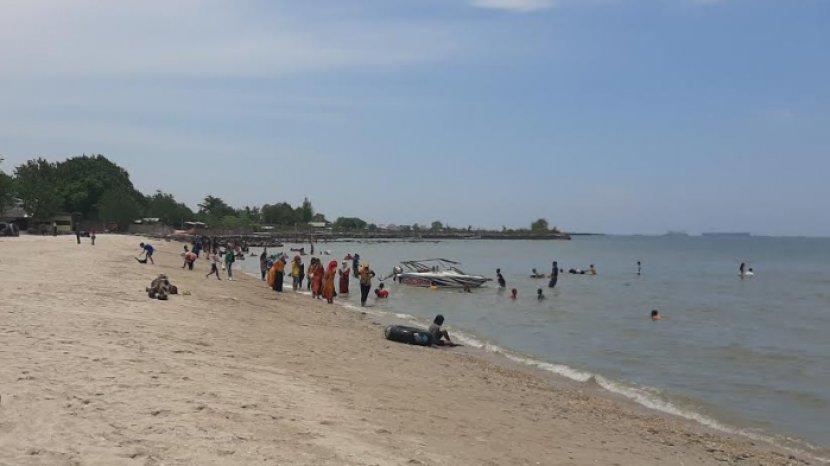 Wow, Selama Masa Pandemi Jumlah Pengunjung Pantai Dalegan Gresik Malah Meningkat