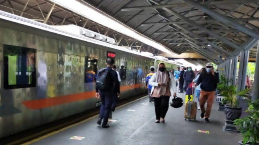 Syarat Wajib Penumpang Kereta Api Jarak Jauh Saat Libur Imlek 2021