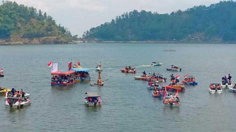 Libur Panjang Maulid Nabi, Pengunjung Telaga Ngebel di Ponorogo Dibatasi Cuma 60 Persen
