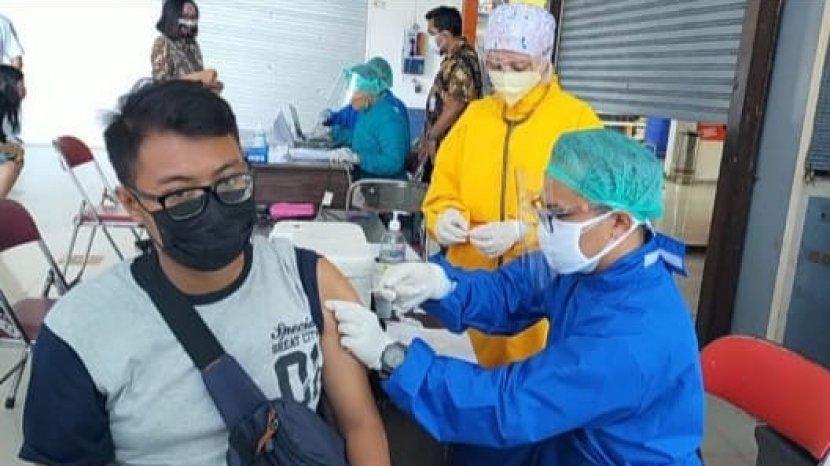 Stasiun KA Gubeng Layani Vaksinasi Covid-19 Untuk Pelanggan KA Jarak Jauh