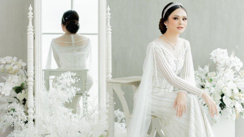 Whulyan Fashion Desainer Usung Konsep Wedding Mewah Ala PPKM