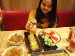 sajian-buah-segar-di-Genki-Sushi.jpg