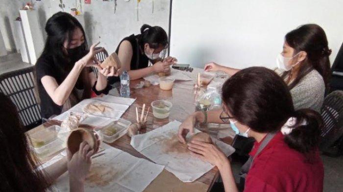 Heart Made Wadahi Emosi dan Impian Teman-teman di Pondok Hayat Lewat Seni