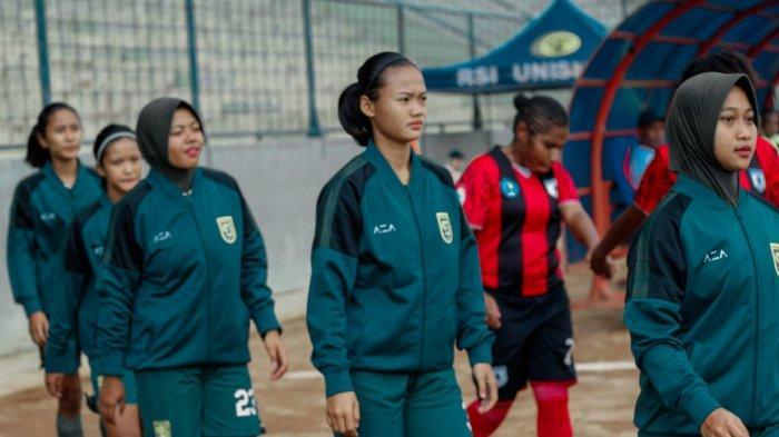 Fara Nindiya Wardani,  Pemain Bola Profesional Putri asal Trenggalek