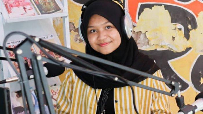 Indah Machmudah Aktif Ikuti Ekskul Broadcast