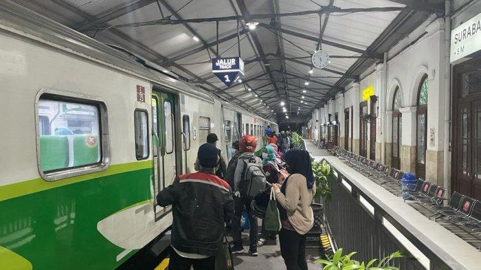 52 Perjalanan KA Lokal Wilayah Daop 8 Surabaya Kembali Beroperasi