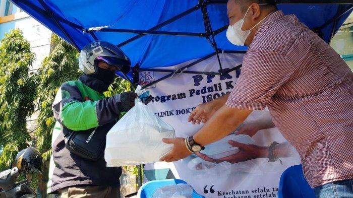 Klinik Dokter Ayoman KeluargaTawarkan Makan Gratis Bagi Warga Surabaya yang Isoman