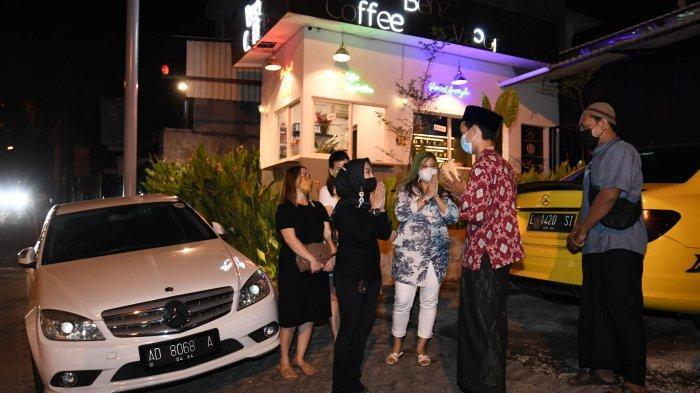 Mercedes Benz W204 Club Surabaya Chapter: Sempatkan Donasi Saat Kopdar