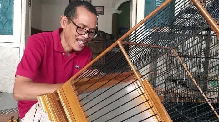 Omset Meningkat, Perajin Sangkar Burung di Gresik Bantu Berdayakan Para Korban PHK