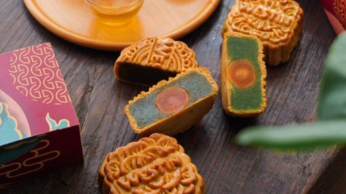 Paduan Rasa Modern dan Tradisional dalam Baked Charcoal White Lotus Mooncake