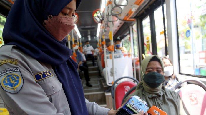 Naik Suroboyo Bus Kian Gampang, Bayar Tiket Bisa Tapping Seperti di Tol