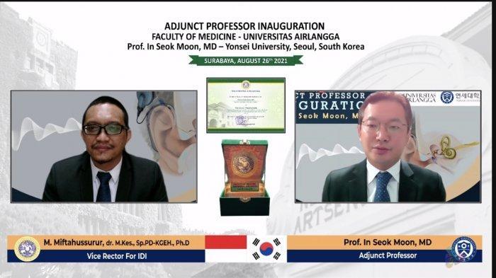 Profesor In Seok Moon MD dari Korea Selatan Raih Penghargaan Guru Besar Mitra FK Unair