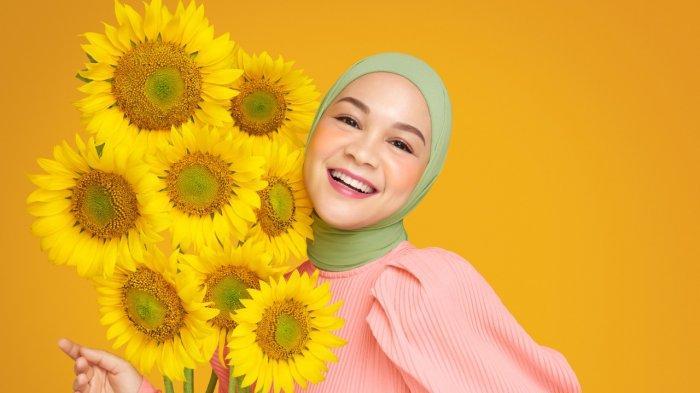 Menjaga Kesehatan Mental dengan Terapi Makeup