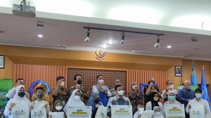 Aksi Yayasan Manarul Ilmi ITS Selama Pandemi Covid-19, Beri Beasiswa Hingga Salurkan Obat-obatan