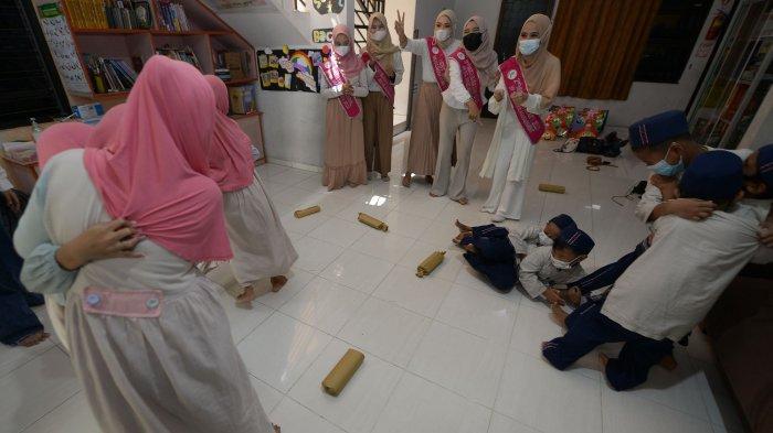 Finalis Muslimah Syari 2021 Ngabuburit Bareng Anak-anak dari Yayasan Hidayah Umat